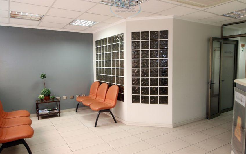 179 m2 de OFICINAS frente al Parque Brasil (actualmente Centro Odontológico)