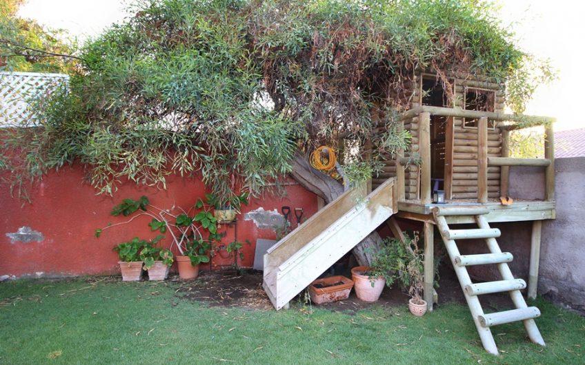 GRAN CASA con Terreno 400mt2 en Jardines del Sur